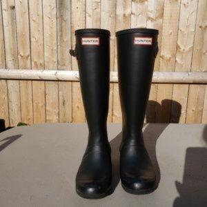 Hunter black rain boots Size 6
